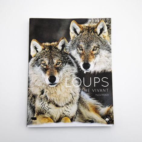 Loups , un Mythe vivant